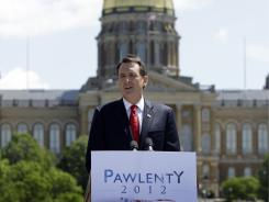 Former Minnesota governor Tim Pawlenty speaks in Des Moines on Monday.