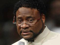 Bishop Eddie Long speaks at New Birth Missionary Baptist Church in Lithonia, Ga., in 2010.
