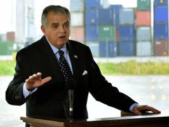 Transportation Secretary Ray LaHood is urging Congress to enact a national law against texting while driving.