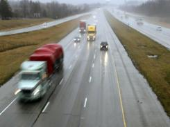 Traffic moves north on I-71 in Mason, Ohio, on Wednesday. An Ohio lawmaker wants to raise the speed limit on Ohio's interstate highways to 70 miles an hour.