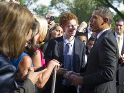 Obama pulls out all stops on campuses to reclaim support