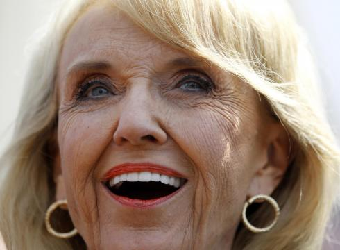 Arizona governor signs Planned Parenthood funding ban – USATODAY.