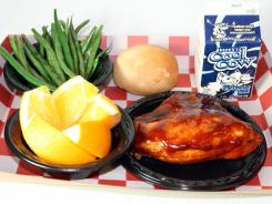 Hillsborough County (Fla.) Schools in Tampa serves roasted chicken with green beans.