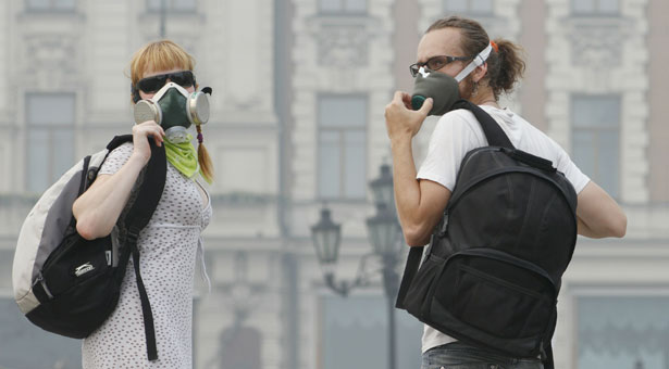 Japanese wearing smog masks