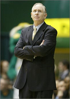 George Mason coach Jim Larranaga has more than doubled his income in the last year, from $196,500 to $394,125.