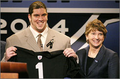 Robert Gallery hasn't lived up to expectations after the Raiders drafted the offensive lineman with the second overall pick in 2004.