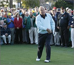 Arnold Palmer received a warm reception as honorary starter of The Masters. Palmer, 77, won the major tournament four times.