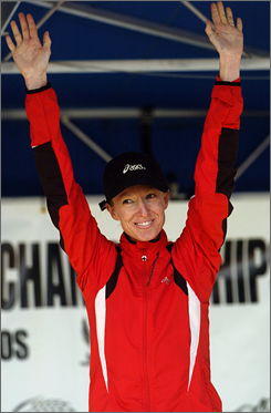 Deena Kastor hopes to become the first U.S. woman to win the Boston Marathon since 1985.