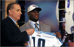 In USA TODAY's reconstruction of the 2006 NFL draft, Vince Young would not have been donning a Titans jersey.