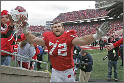 Wisconsin tackle Joe Thomas is rated as the best offensive lineman available in the April 28 NFL draft.
