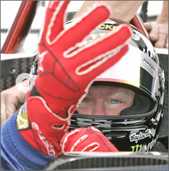 Paul Tracy hopes the Mont-Tremblant road course fits like a glove as the Champ Car tour makes a swing through his native Canada.