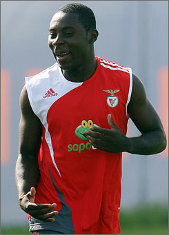 Freddy Adu has agreed to play for Benfica and trained with the Portuguese club Tuesday.