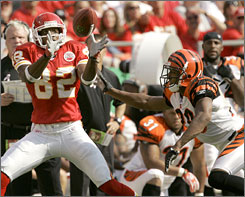 Kansas City Chiefs receiver Dwayne Bowe leads all rookies in receptions, receiving yardage and receiving touchdowns.