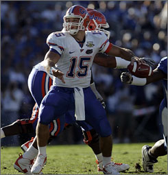 Tim Tebow had a career-high four touchdown passes to help No. 14 Florida break a two-game losing streak.