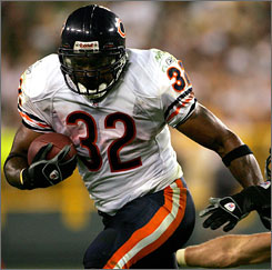 Cedric Benson's struggles have Bears fans wondering whether he's capable of carrying the load. The fourth overall pick in the 2005 draft, Benson has rushed for more than 67 yards just once this season.