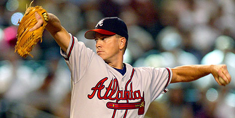 Remember this 2002 look? Tom Glavine will be wearing the same Braves uniform after agreeing to a 2007 contract to return to the NL club after five years with the New York Mets.