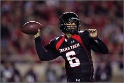 Texas Tech quarterback Graham Harrell passed for 420 yards the Saturday's win over Oklahoma and has 400 or more yards in three consecutive games.