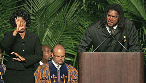 """Former Redskin LaVar Arrington delivered one of the more emotional speeches at Sean Taylor's funeral. """"Today, my heart is broken,"""" said Arrington."""