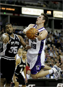 The Kings' Beno Udrih is averaging 14.3 points, 3.3 rebounds and 1.2 steals in 35.2 minutes a game. In a game against his old team, the San Antonio Spurs, Udrih scored a career-high 27 points.