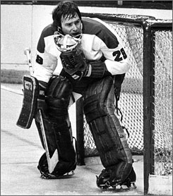 Goaltender Ken Dryden was one of the many stars who led the Montreal Canadiens to an unprecedented 60-8-12 regular-season record and a Stanley Cup title during the 1976-77 NHL season.