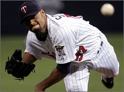 The New York Mets have a reached a deal to acquire two-time Cy Young Award winner Johan Santana from the Minnesota Twins.