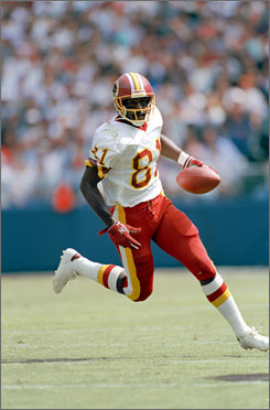 Receiving great Art Monk, shown in 1992 with the Washington Redskins, scored 68 touchdowns in 14 seasons with the Redskins and one each with the New York Jets (1994) and the Philadelphia Eagles (1995).