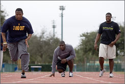 LSU's Glenn Dorsey, center, who's been working out with other NFL prospects in Florida, will be on display for talent evaluators at the scouting combine this week. The defensive tackle may be a top 10 pick.