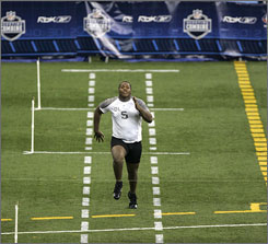 Finding an &quot;official&quot; 40-yard dash time, run by the Giants' Jay Alford at last year's combine, can be difficult.