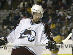 Peter Forsberg's relationship with the Avalanche organization made it his most comfortable choice in his return to the NHL.
