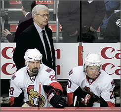 Senators general manager and coach Bryan Murray returned behind the bench on Thursday, but his Senators still fell to Philadelphia 3-1 their seventh loss in nine games.