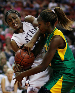 Nneka Ogwumike, left, and her Houston Cy-Fair squad captured the Texas 5A state title with a 50-33 victory over Alexandria Foster and DeSoto.
