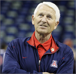 Lute Olson will return to the bench for the Arizona Wildcats after taking a leave of absence this season for personal reasons.