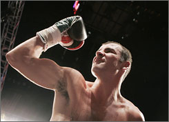 "Joe Calzaghe says winning a split decision Saturday against Bernard Hopkins in Las Vegas is ""icing on the cake for my career."""