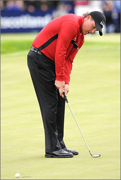 Phil Mickelson failed to break par in the first round of the Scottish Open and is seven shots behind the leaders.