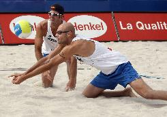Phil Dalhausser, foreground, and Todd Rogers are the top U.S. men's beach volleyball team and will be among those playing this weekend in Brooklyn, N.Y.