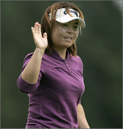 A round of 4-under 68 put Yuri Fudoh out front halfway through the Women's British Open.