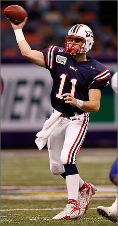 Florida Atlantic stunned the Sun Belt conference in 2007, finishing with an 8-5 record behind quarterback Rusty Smith. Fittingly, the Owls have been selected to top the league this season.