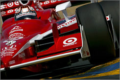 """Scott Dixon needs an eighth-place finish for a second IRL title. """"We want to do it in style,"""" he said. """"It won't be anything conservative from us."""""""
