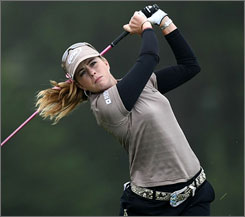 Paula Creamer's strong finish put her in the lead after three rounds of the Samsung World Championship.