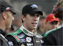 Carl Edwards has finishes of 29th and 33rd in the last two races on the Sprint Cup schedule.