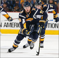 Thomas Vanek got off to a hot start to the NHL season, helping the Buffalo Sabres to four wins and leading USA TODAY's Power Rankings for the MVP race.