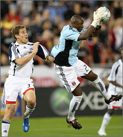 Goalie Louis Crayton, right, and D.C. United need to win their final game and get other help to reach the MLS playoffs.