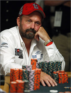 Truck salesman Dennis Phillips has 26.295 million in chips entering the final table of the World Series of Poker. Phillips hired coaches to help fine-tune his poker skills during the time off between the opening round and Tuesday's final table.
