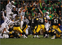 Iowa kicker Daniel Murray makes the game winning field goal that knocked Penn State from the ranks of the unbeatens.