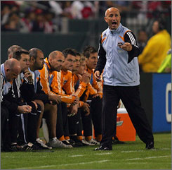 Coach Dominic Kinnear's Dynamo will play El Salvador's Luis Angel Firpo in a CONCACAF Champions League game.