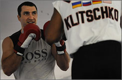 Heavyweight Wladimir Klitschko goes for his 10th consecutive victory when he faces Hasim Rahman on Saturday in Germany.