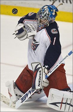 Columbus Blue Jackets goalie Steve Mason makes a save against the Anaheim Ducks Wednesday as he extends his shutout to a franchise-record 182 minutes.