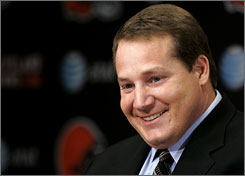 """The most important thing to do is to be yourself and that's who I felt I always was,"" Eric Mangini said in his first day as Browns coach. ""I learned so many things over three years. There's no Dummies guide to head coaching. I've had some great mentors, I worked under Bill for a long time. I worked under Bill Parcells. They were my football parents."""