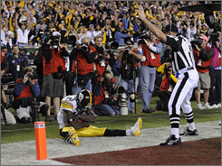 Santonio Holmes made several big plays in the fourth quarter for the Steelers, including his game-winning touchdown catch with 35 seconds remaining.