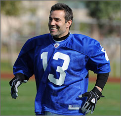 Kurt Warner, at Pro Bowl practice on Thursday, doesn't want to anoint the champion Steelers as a dynasty just yet.